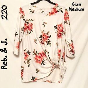 Reb. & J., Floral Top, 3/4 Sleeves, Sz. M